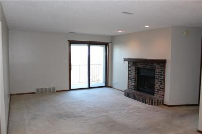 Urbandale Condo/Townhouse For Sale: 4805 86th Street #30