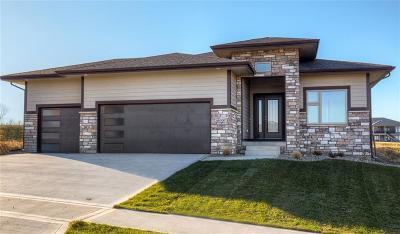 Waukee Single Family Home For Sale: 3890 Wildwood Court