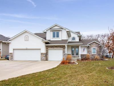 Des Moines Single Family Home For Sale: 5105 Sawyers Drive