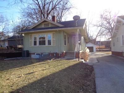 Des Moines Single Family Home For Sale: 3720 University Avenue
