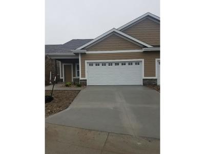 Waukee Condo/Townhouse For Sale: 1588 SE Blackthorne Drive