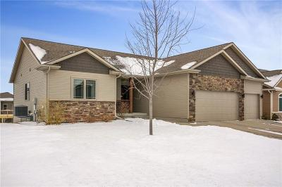 Waukee Single Family Home For Sale: 460 NE Fox Run Trail