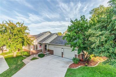 West Des Moines Condo/Townhouse For Sale: 1214 Glen Oaks Drive