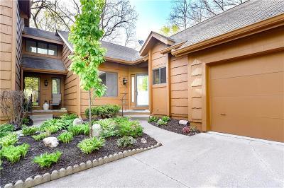 Urbandale Condo/Townhouse For Sale: 7075 Oak Brook Drive