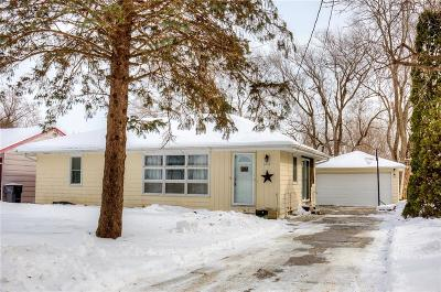 Des Moines Single Family Home For Sale: 4255 NE 26th Street