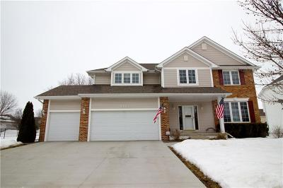 Urbandale Single Family Home For Sale: 14327 Oak Brook Drive