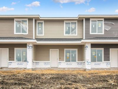 Waukee Condo/Townhouse For Sale: 2324 SE Parkview Crossing Drive