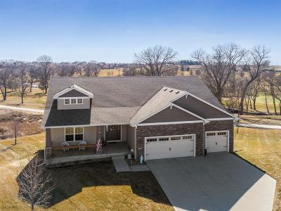Waukee Single Family Home For Sale: 1700 Hannah Lane