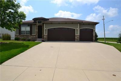 Waukee Single Family Home For Sale: 20 NE Gracewood Drive