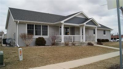 Ames Single Family Home For Sale: 2705 Cambridge Drive