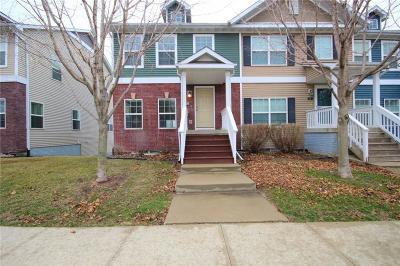Waukee Condo/Townhouse For Sale: 225 SE Booth Avenue