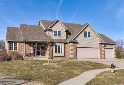 Ankeny Single Family Home For Sale: 706 NW Rockcrest Circle