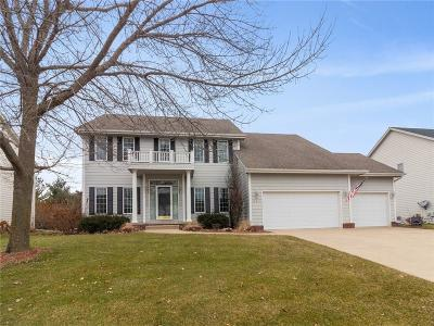 Waukee Single Family Home For Sale: 840 SE Oak Leaf Lane