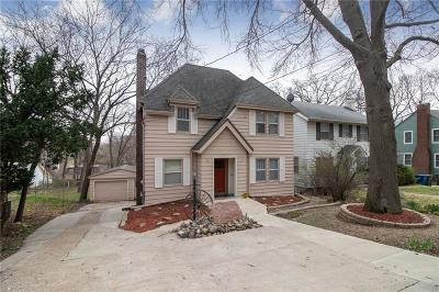 Des Moines Single Family Home For Sale: 215 Zwart Road