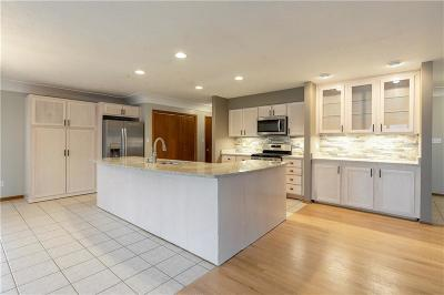Waukee Single Family Home For Sale: 250 Windfield Parkway