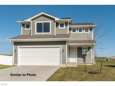 Bondurant Single Family Home For Sale: 900 36th Street SW