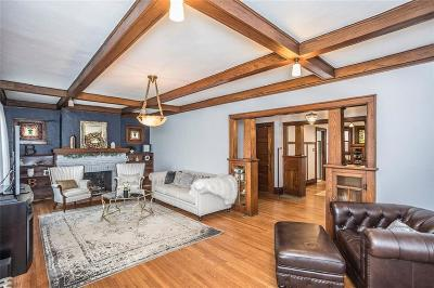 Des Moines Single Family Home For Sale: 654 36th Street