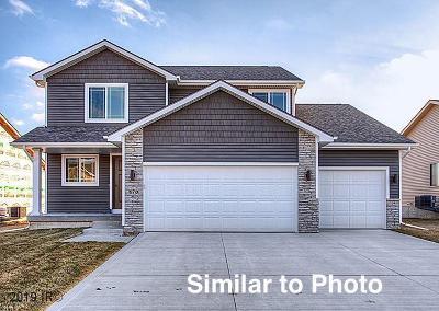 Waukee Single Family Home For Sale: 975 Cedar Street