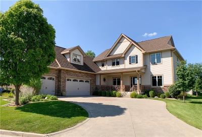 West Des Moines Single Family Home For Sale: 5825 Fairway Drive