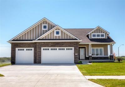 Waukee Single Family Home For Sale: 790 Daybreak Drive