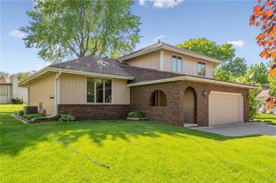 Norwalk Single Family Home For Sale: 1148 Pinehurst Circle