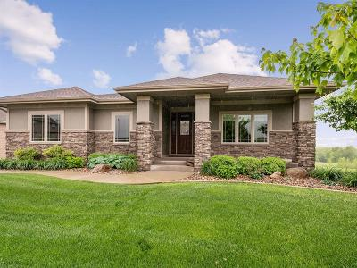 Urbandale Single Family Home For Sale: 15006 Plum Drive
