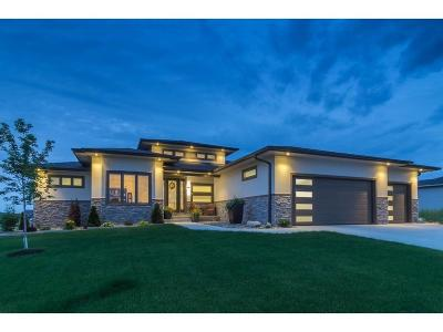 Waukee Single Family Home For Sale: 3875 Westwind Court