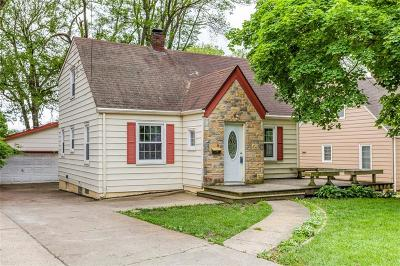 Windsor Heights Single Family Home For Sale: 6532 School Street