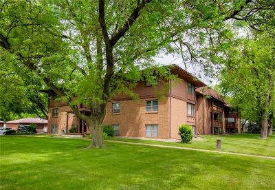 Des Moines Condo/Townhouse For Sale: 1900 50th Street #10