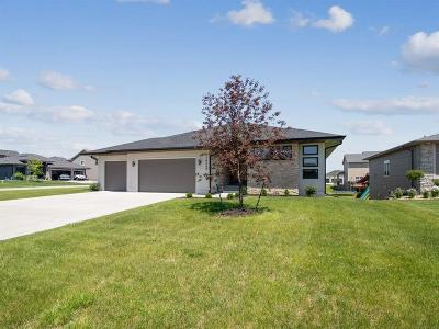 Urbandale Single Family Home For Sale: 16249 Sunflower Circle
