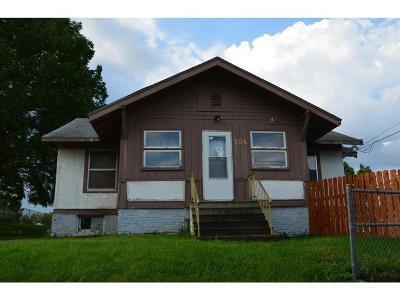Des Moines Single Family Home For Sale: 208 Kenyon Avenue