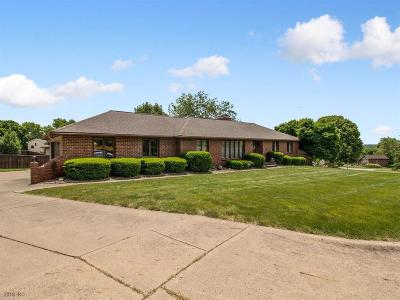Johnston Single Family Home For Sale: 6835 NW 52nd Court