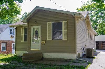 Des Moines Single Family Home For Sale: 1338 57th Place
