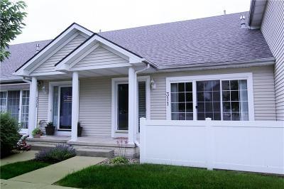 Grimes Condo/Townhouse For Sale: 311 SE Woodbine Drive