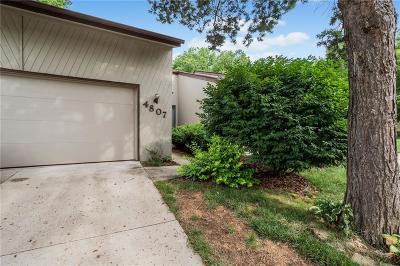 West Des Moines Condo/Townhouse For Sale: 4807 Cedar Drive #65