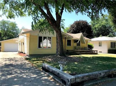 Des Moines Single Family Home For Sale: 2814 E 39th Court