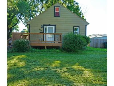 West Des Moines Single Family Home For Sale: 208 8th Street