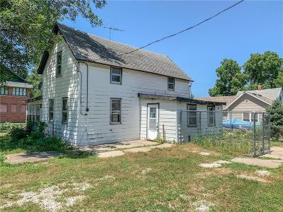 Des Moines Single Family Home For Sale: 525 SE 7th Street