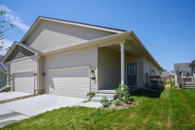 Norwalk Condo/Townhouse For Sale: 717 Dogwood Lane