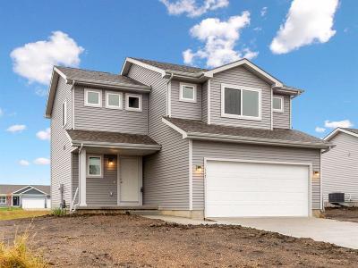 Elkhart Single Family Home For Sale: 117 NE Monroe Avenue
