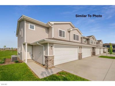 Waukee Condo/Townhouse For Sale: 768 NE Conner Court