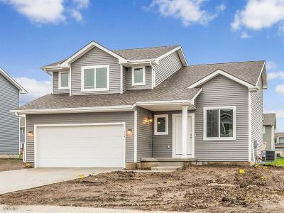 Elkhart Single Family Home For Sale: 114 NE Monroe Avenue
