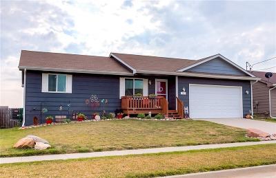 Elkhart Single Family Home For Sale: 205 NE Megan Avenue