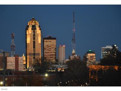 Des Moines Condo/Townhouse For Sale: 2880 Grand Avenue #511