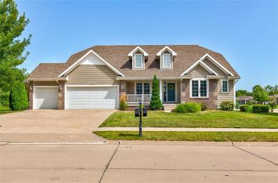 Urbandale Single Family Home For Sale: 14307 Brookshire Drive