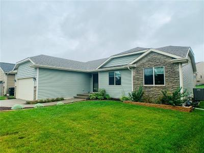 Waukee Single Family Home For Sale: 1525 S Warrior Lane