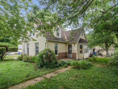 Des Moines Single Family Home For Sale: 3905 12th Street