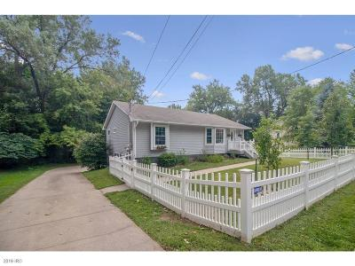 Des Moines Single Family Home For Sale: 2721 34th Street