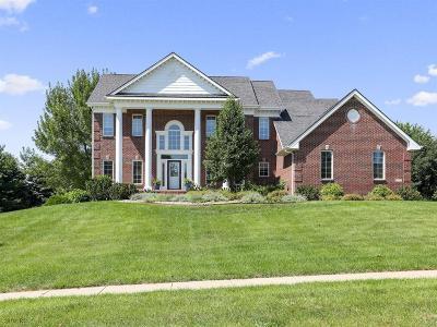 West Des Moines Single Family Home For Sale: 4335 Oakwood Lane