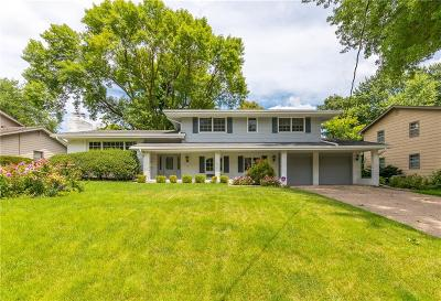 Urbandale Single Family Home For Sale: 2825 Sherry Lane